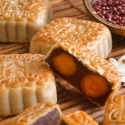 Red Bean Paste Mooncake (2 Yolks)